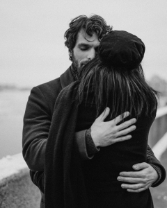 10 signs a man loves you deeply