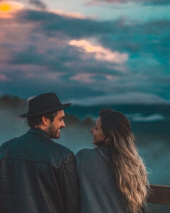 9 signs he loves you without saying it