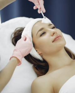 How to find your Aesthetic center / aesthetic clinic to get aesthetic skin care treatments?